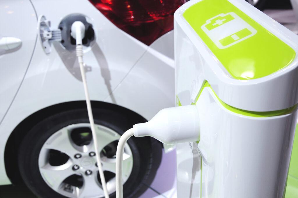 silnik elektryczny w samochodzie